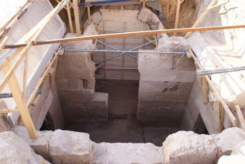 Μακεδονικός Τάφος βρέθηκε μέσα στο σύγχρονο οικισμό της Πέλλας